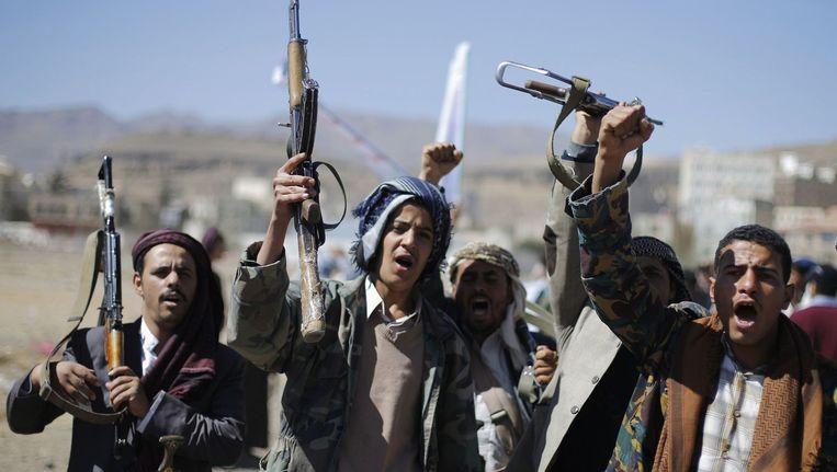 Aanhangers van de Houthi's. Beeld reuters