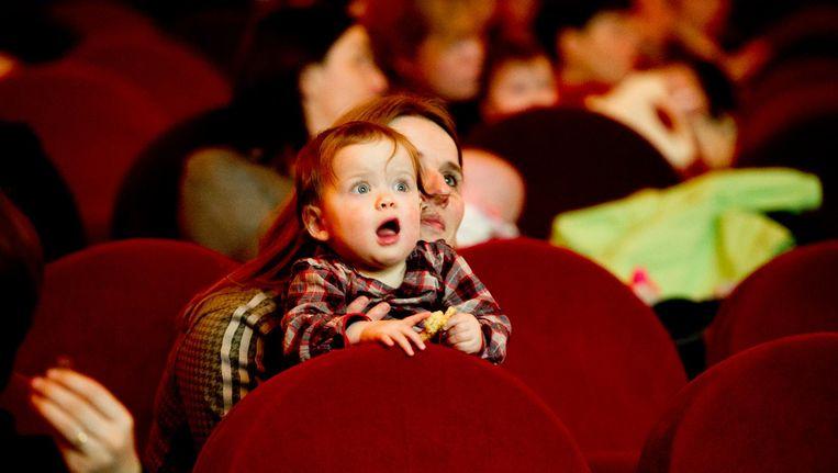 Eindelijk weer met je baby naar de bioscoop Beeld anp