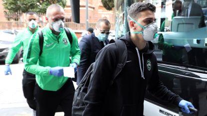 Opponenten van Romelu Lukaku nemen hun voorzorgen: mondmaskers en plastic handschoenen tegen coronavirus