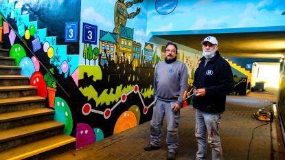 Grauwe fiets- en voetgangerstunnel Kontich-Lint omgetoverd tot kleurrijk kunstwerk