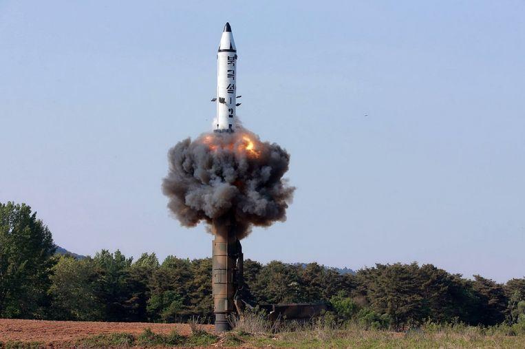 Een Noord-Koreaanse raket wordt getest. Beeld Hollandse Hoogte/AFP