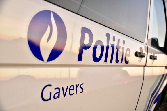 De politie van de zone Gavers waarschuwt voor inbraken in appartementsgebouwen.