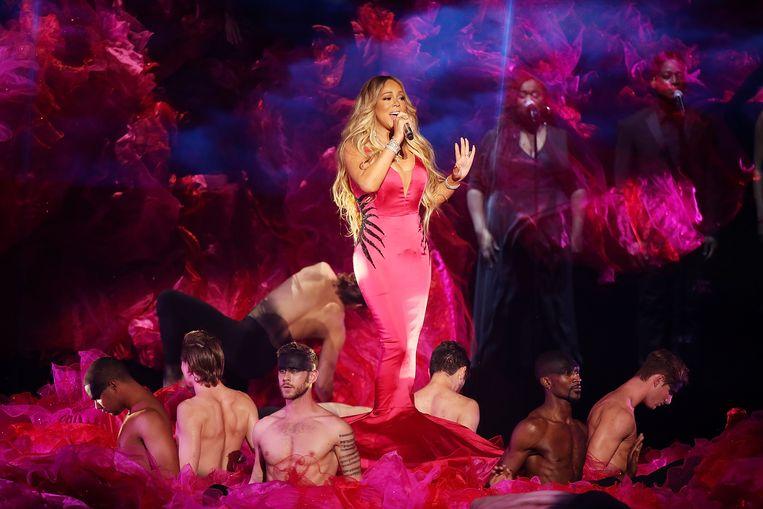 Mariah Carey tijdens een optreden voor de American Music Awards op 9 oktober 2018. Beeld WireImage,