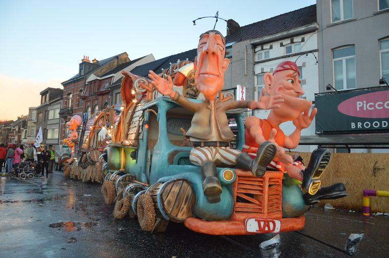 Illustratiebeeld - De wagen van de Zig Zag Bleukes tijdens de vorige carnavalsstoet.
