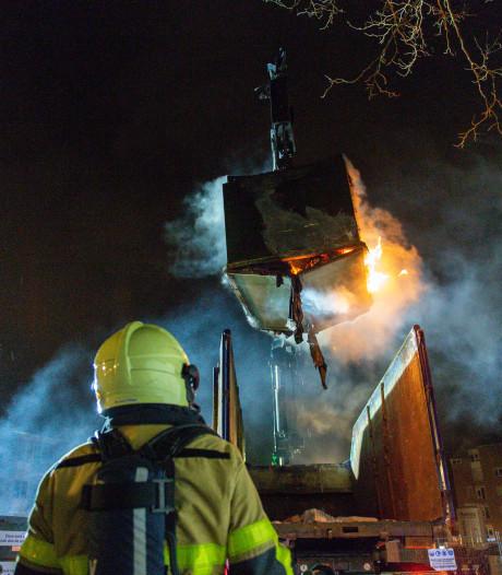 Tweedehands kleding gaat in vlammen op in Apeldoorn