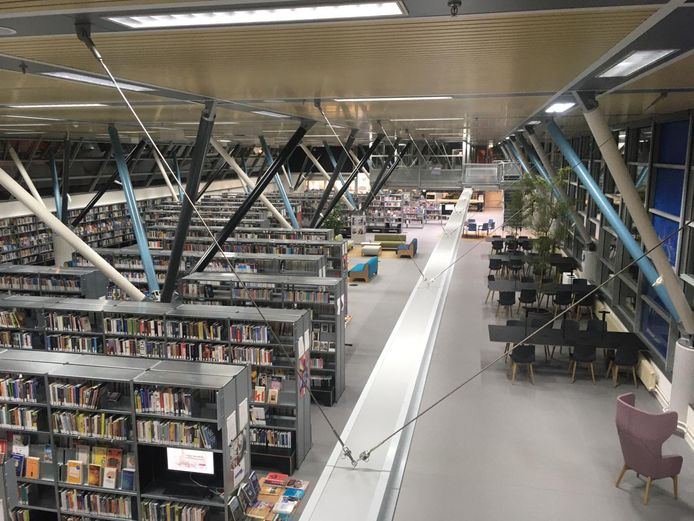 De verlaten bibliotheek Breda (Nieuwe Veste) aan de Molenstraat.