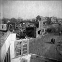 Oostburg, april 1945: driesprong Zuidzandsestraat (voorgrond), Nieuwstraat (rechts) en Markt (midden).