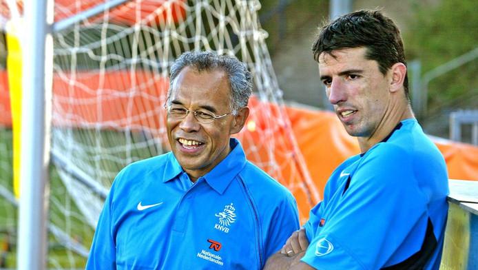 Roy Makaay en Erik Reep. Reep ondersteunde Oranje tijdens het tijdperk-Van Basten.