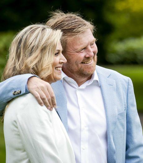 Bras dessus, bras dessous: le couple royal des Pays-Bas critiqué pour son non-respect des consignes