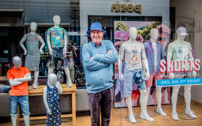 Winkelier Theo Hartman was één van de grootste pleitbezorgers van de koopzondag in Harderwijk. De gemeente verruimt de openingstijden op zondag.