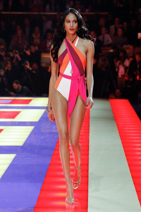 Cindy Bruna op een modeshow van Tommy Hilfiger, deze maand in Parijs.