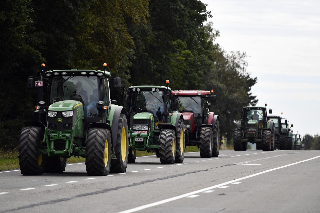 Belgische boeren reden in 2009 al eens in een stoet met tractoren om aandacht te vragen voor de melkcrisis.