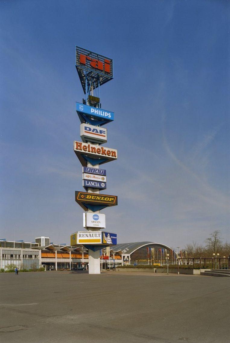 Reclamezuil op het Europaplein in 2002 Beeld