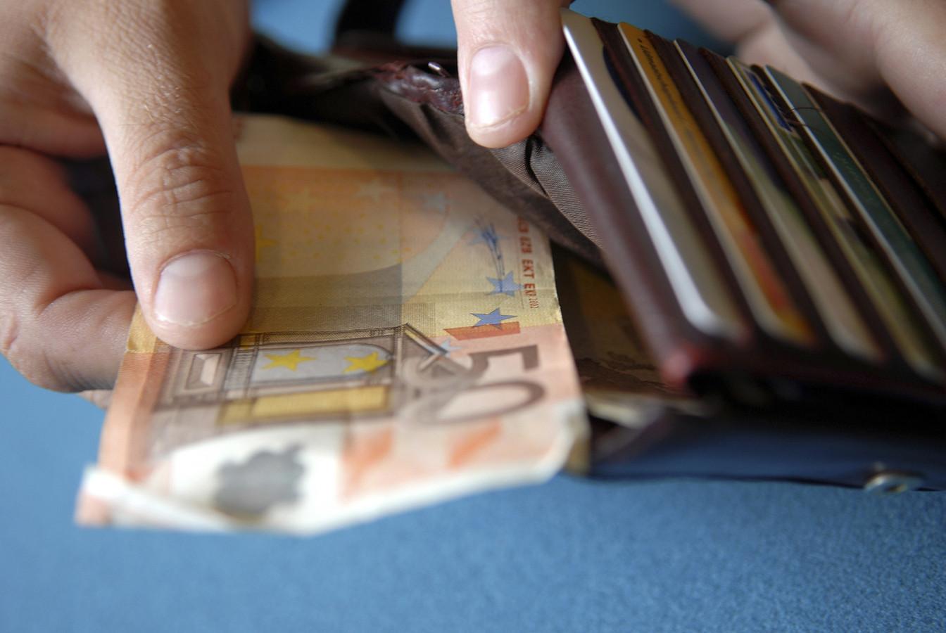 Alleen al voor energie betaalt een Vlaams gezin straks makkelijk 300 euro meer per jaar aan hogere btw, groene belasting, belasting op intercommunales, afschaffing gratis stroom...