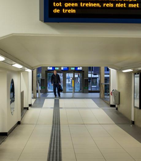 Geen treinen van en naar Zutphen door defecte trein op spoor