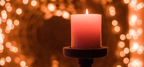 Golf van digitaal licht voor overleden kindjes Oirschot
