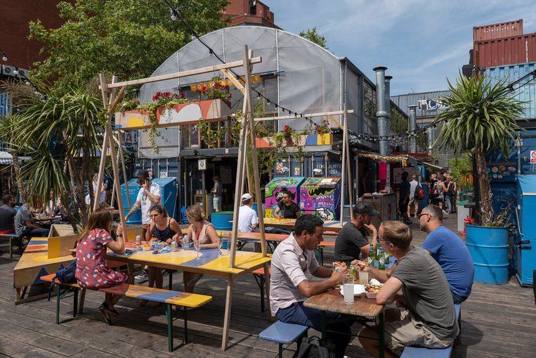 In de Londense wijk Brixton, een wijk als Zuidoost, is een uitgaanscentrum gecreëerd waar de diversiteit in de wijk wordt gevierd. Beeld In Pictures via Getty Images