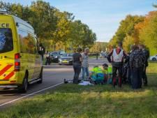 Motorrijder wijkt uit voor auto en komt ten val in Eindhoven: ernstig gewond naar ziekenhuis
