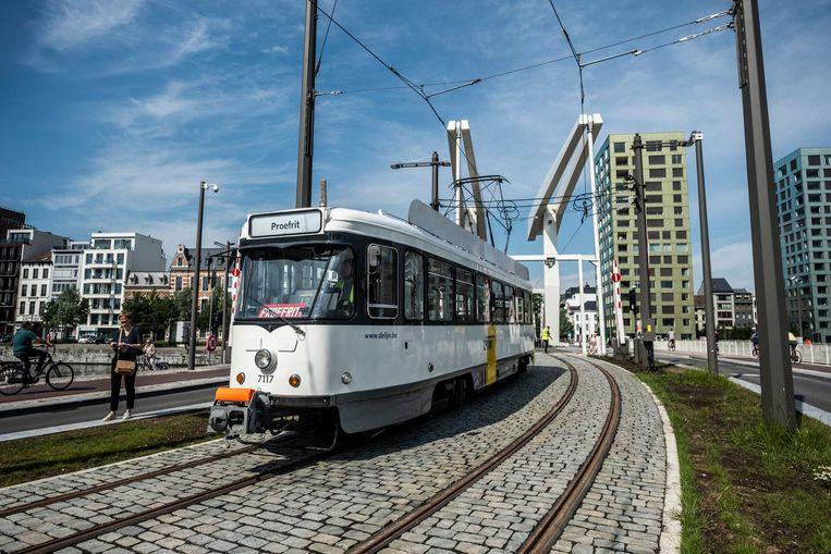 Tram 70 maakte eerder dit jaar een proefrit over de Londenbrug.