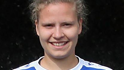 Voetbalster (22) komt om nadat truck haar auto ramt