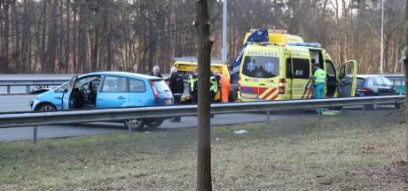 Drie auto's botsen op A2 tussen Best en Boxtel: grote vertraging in de avondspits