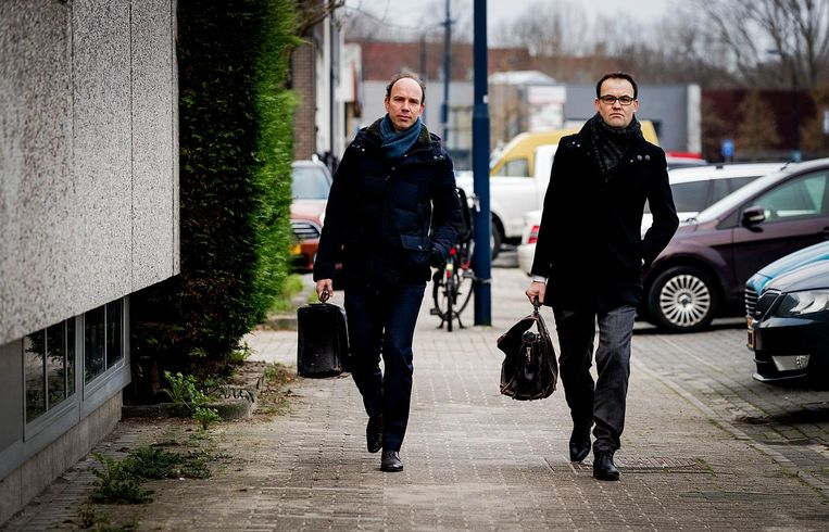 Advocaten Sander Janssen (L) en Robert Malewicz van Willem Holleeder Beeld anp