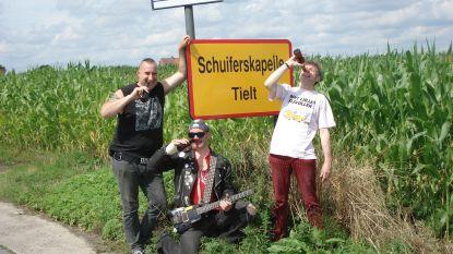 Kapelse punkrockers openen opnieuw pop-upcafé  'In Den Schuymenden Bierpot'