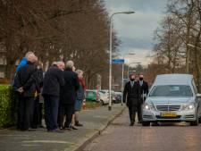Doodgereden Sebastiaan (42) uit Wijchen begraven bij opa en oma
