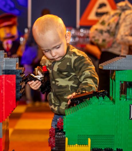 Een gebouwde Willem-Alexander (mét baard) en blokjes van rietsuiker: LEGO World is geopend