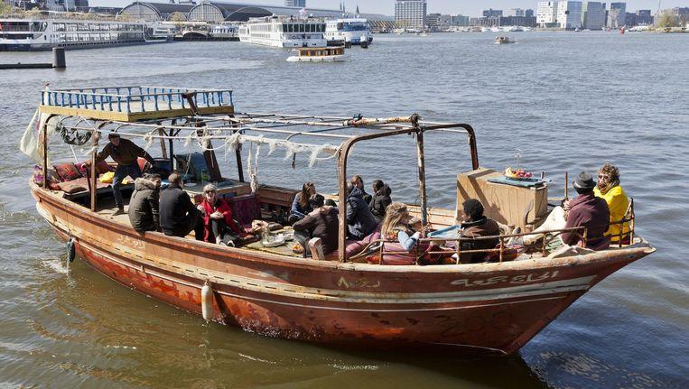 Doorgaans vaart de boot van rederij Lampedusa op het IJ Beeld Roy del Vecchio