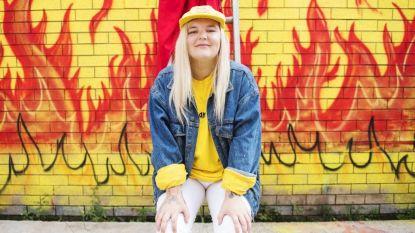 Tones and I schrijft geschiedenis in Britse hitlijst