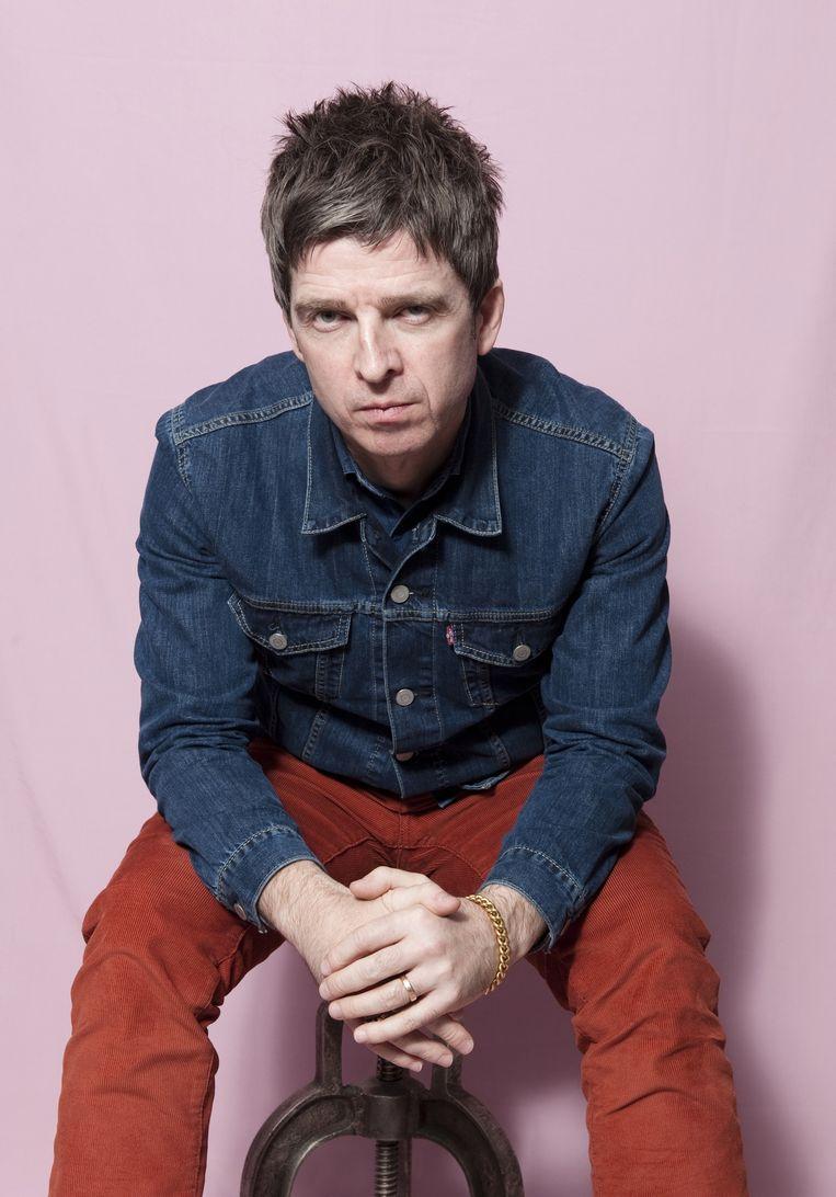 Noel Gallagher: 'De laatste jaren zijn ze weer goed bezig met de klassieke kledinglijnen. Spijkerjasjes, strakke broeken. Gewon goed spul waar ik me lekker in voel en me in kan vertonen.' Beeld Els Zweerink