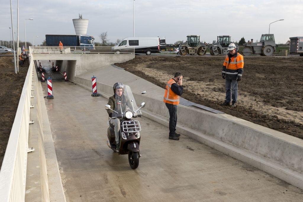 De nieuwe fietstunnel in Zaltbommel zal worden beschilderd met kunst van Fiep Westendorp.