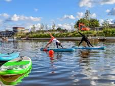 Kijk niet gek op van staande peddelaars langs de nieuwe kades in Roosendaal: ze suppen