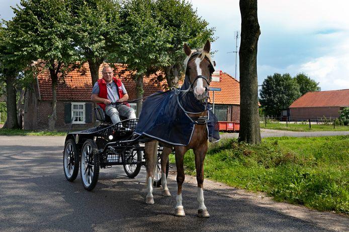Toon van de Loo organiseert de Klompenrit in Best.