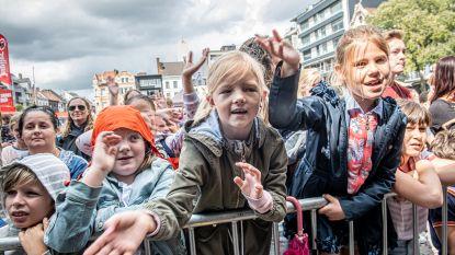 IN BEELD. Wisselvallig weer speelt Kidsfest #VANRSL parten