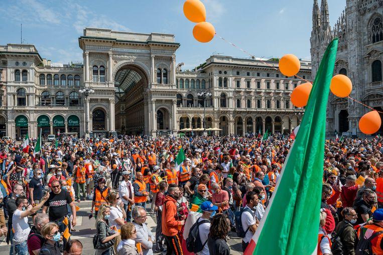 Beelden van de protesten in Milaan.
