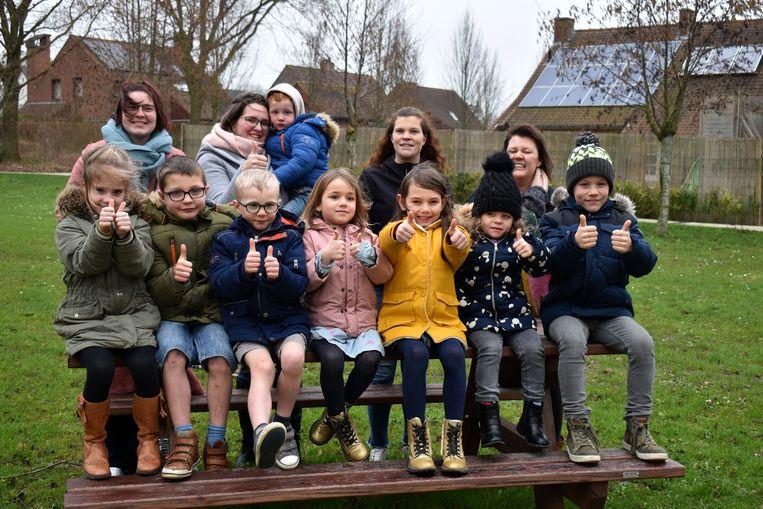 In Vlamertinge zetten enkele jonge moeders zelf een speelpleinwerking op poten.