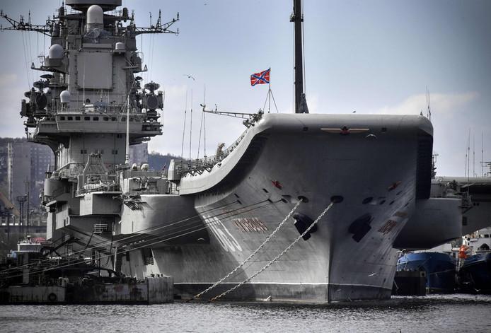 Het schip liep vorig jaar ook schade op toen een kraan op het dek stortte.