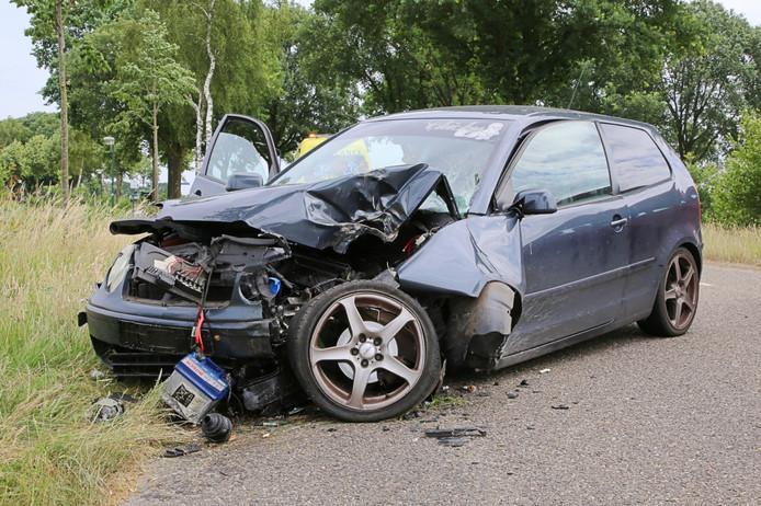Ongeluk aan de Burgemeester van Woenseldreef in Hapert.