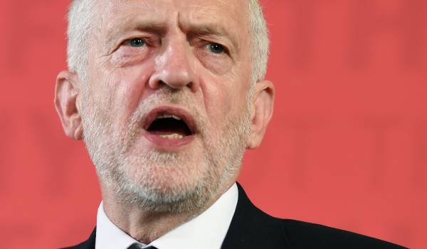 Labour-leider Corbyn ergert collega-politici met pacifistische uitspraken