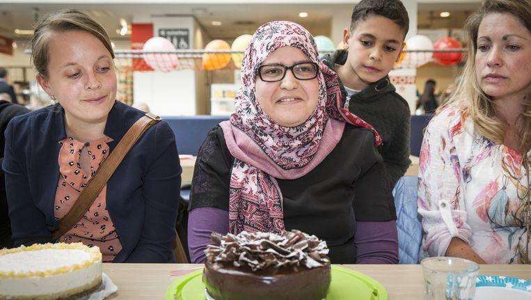 Deelnemers aan de taartenbakwedstrijd Beeld Dingena Mol