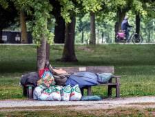Boeteregen daalt neer op daklozen: 'Stel kreeg in maand tijd 34 boetes voor het slapen onder een brug'