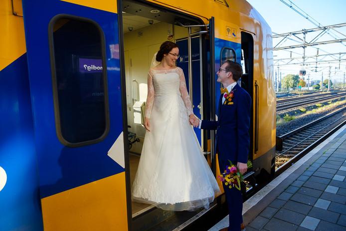 Mark en Willemiek hadden een blauw-geel thema voor hun huwelijk.