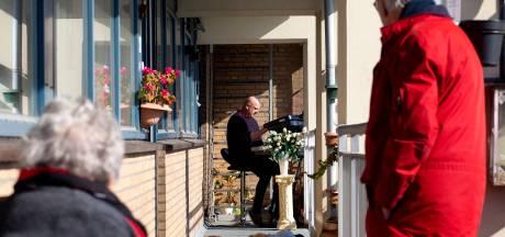 Dordtse Jur geeft een mini-concert op 7 hoog
