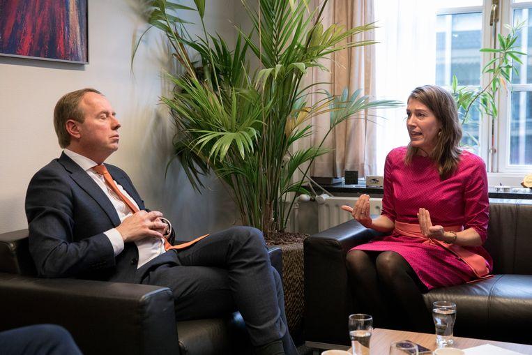 Kees van der Staaij: 'Ik heb een vraag voor jou. Waarom is abortus nog steeds strafbaar?' Beeld Inge van Mill