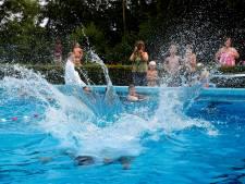 Zwembaden worstelen opnieuw met drukte: Dompelaar vol, Doetsekom alleen voor abonnees