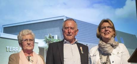 Terra Nova in Tilligte geopend; lintje voor Gerard Wassink