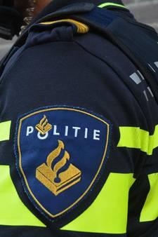 Politie onderzoekt twee doden in woning Velserbroek