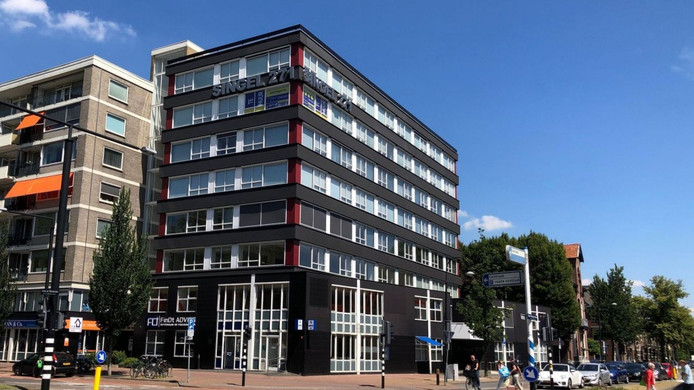 Het kantoorpand aan de Singel wordt verbouwd door Van Pelt.